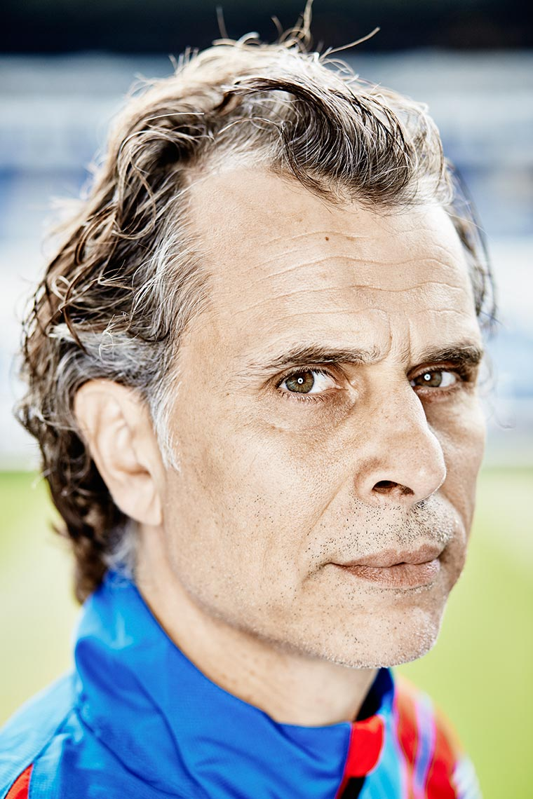 Portrait of sports physician Stephan Jacolino, sportarts in stadium SC Heereveen